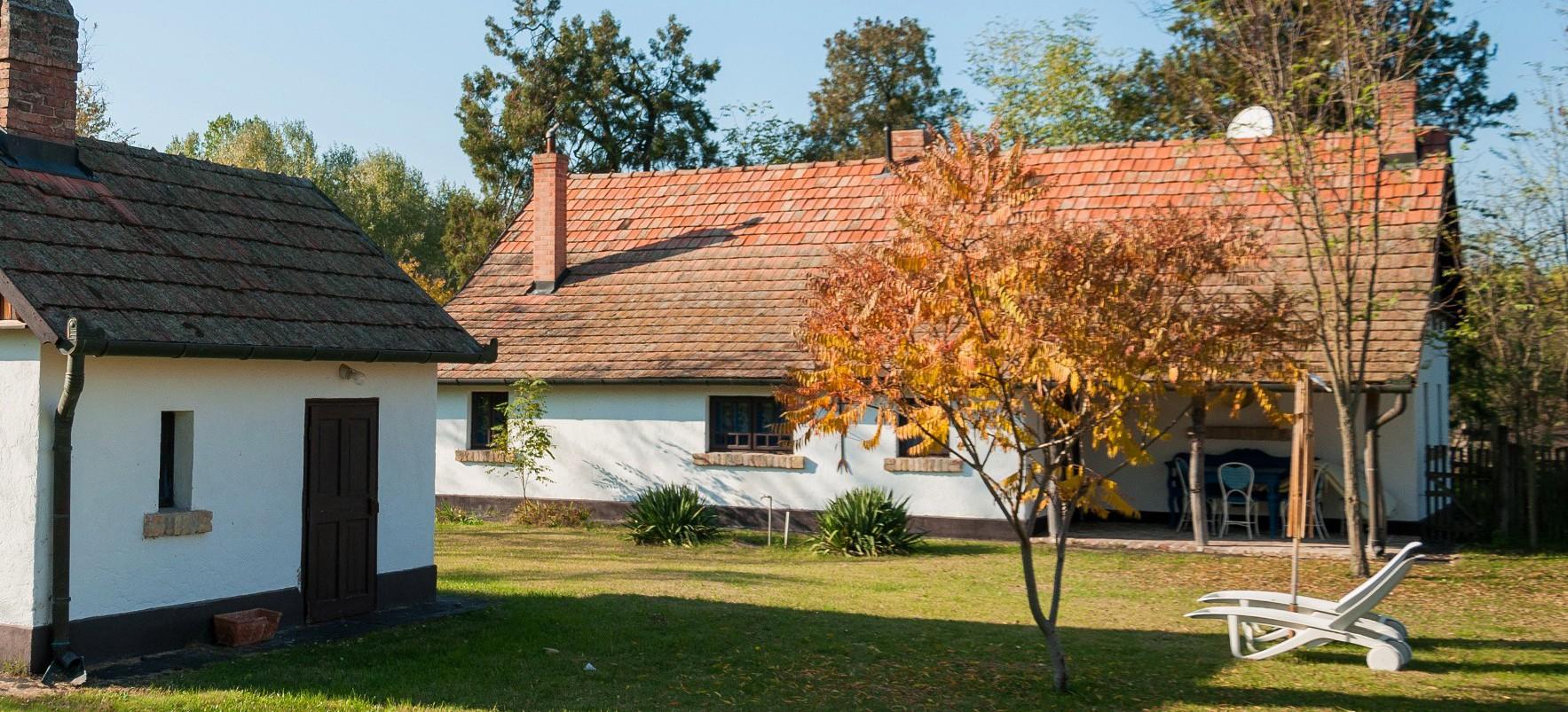 Homoki Residence