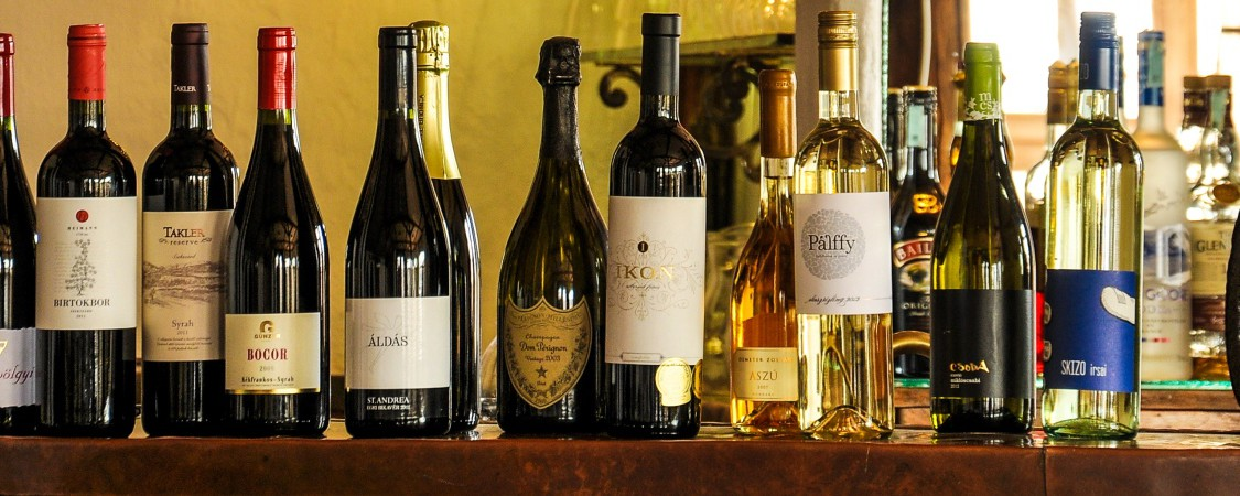 Taste Hungarian Wines online, Hungarian Wine, Hungarian Wines, Hungary, Tokaji, Tokaj, Tokay, Tokaji Azsu, Bikaver, Bull's Blood, Furmint, Kekfrankos, Kadarka, Portugieser, Harslevelu, Muscat, Irsai Oliver, Keknyelu, Cabernet Franc, Tramini, Eger, Szekszard, Villany, Sopron, Taste Hungarian Wines